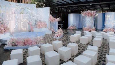以春、夏、冬三个季节串联起的一场展览式婚礼