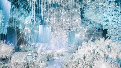以海浪为设计灵感,打造一场浪漫又清新的蓝白色系婚礼