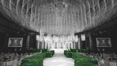欧式古典特色结合现代时尚元素,一场低调奢华的法式庄园婚礼