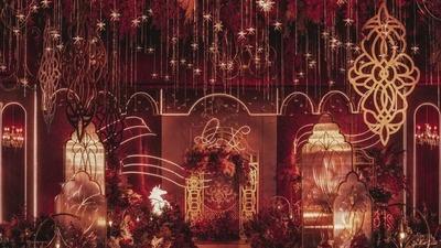既浓烈奢华又精致优雅的红金色系复古风婚礼