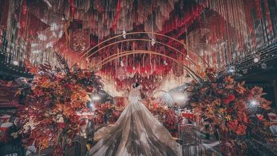 将张扬与低调、大气与温柔完美展现的红金色系婚礼