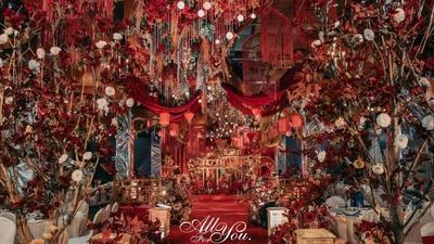 用传统的国风元素,呈现一场盛唐宫宴般的中式婚礼
