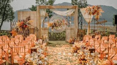 寓意满满的暖秋色海豚音乐主题户外婚礼