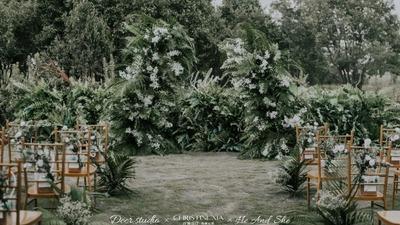和大自然完美融合为一体的文艺风户外婚礼