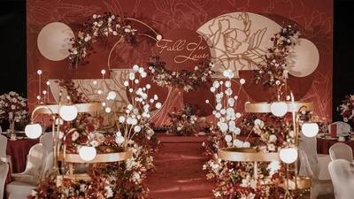 馥郁复古的砖红色系+金色系婚礼