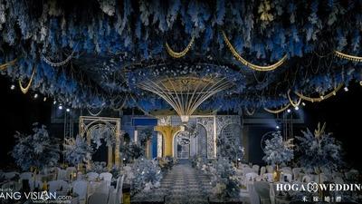 突显出时尚感和个性化的蓝色+金色系轻复古婚礼