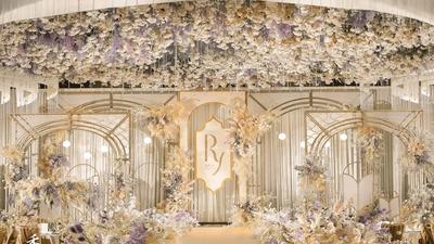 既温馨优雅又唯美梦幻的香槟色+紫色系婚礼
