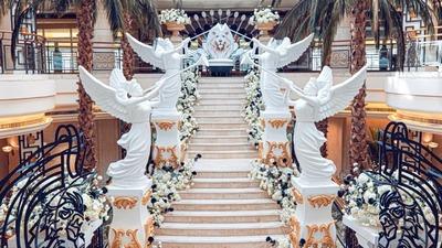 """狮子座""""女王""""的婚礼,一场神圣而庄重的加冕仪式"""