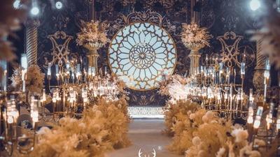 洋溢着浓郁哥特风情的蓝色+金色系欧式婚礼