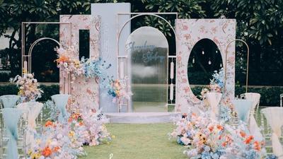 带来独特清新浪漫感的豆沙粉+浅蓝色系户外婚礼