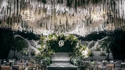 沉浮于梦幻与现实之间,一场繁花烂漫的白绿色系婚礼