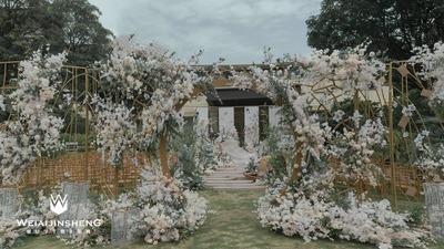 户外草坪中式婚礼