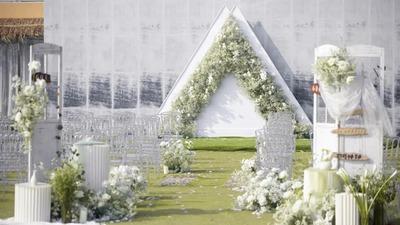 打破空间上的局限通透而灵性的白绿色系户外婚礼