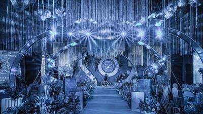 在简约中流露出优雅感的经典蓝色系婚礼