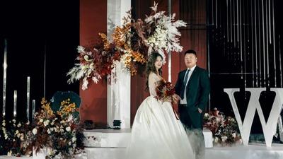 富有内涵的色彩搭配层次感线条,勾勒出一场高贵而理性的婚礼