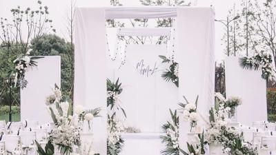 简约大气且有着仪式感的白绿色系韩式户外婚礼