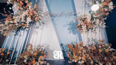 温柔中又带着浪漫的蓝色+白色+橙色系婚礼
