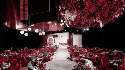 重塑红白结构的极简主义秀场风婚礼