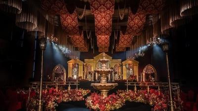 凸显出复古和浪漫氛围的红色+金色系欧式婚礼