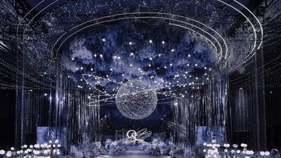 凸显出立体感和层次感的蓝色系星空主题婚礼