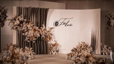 极简线条与多层次结构相结合的咖啡色系泰式婚礼