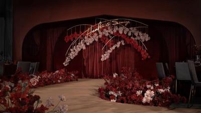 浓烈的勃艮第红色系婚礼