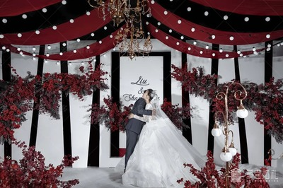 简洁高级的红白色系婚礼