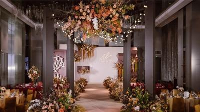 有着高级沉稳氛围感的摩卡棕色系泰式婚礼