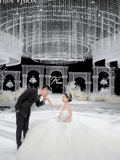 简约大气的秀场风婚礼