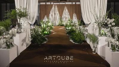 白绿色+棕色系的极简风婚礼